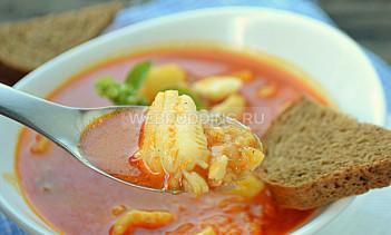 Суп из судака с луком-шалот и паприкой