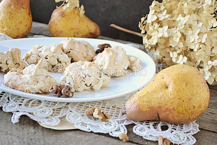 Пирожное-из груш, белков и орехом