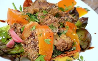 Куриная печенка с фруктами - хурмой и айвой