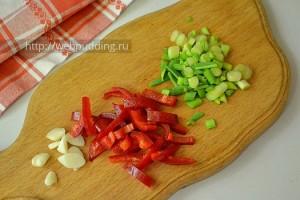 Salat-s-ogurcami-i-kabachkami-5