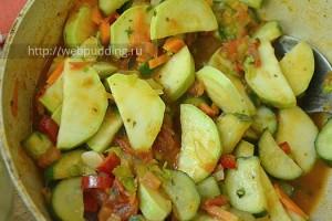 Salat-s-ogurcami-i-kabachkami-8
