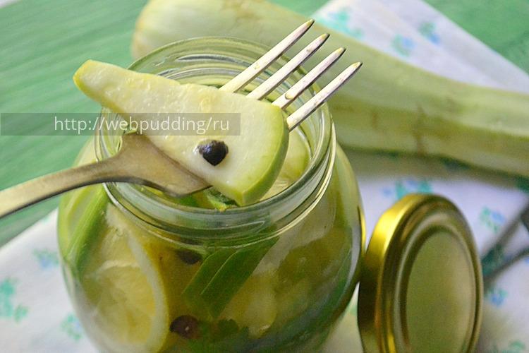 malosol'nye-kabachki-s-limonom-10