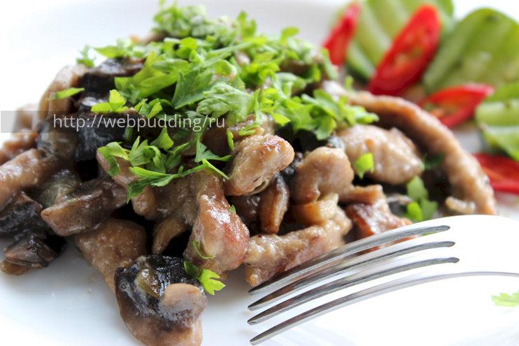 Бефстроганов из говядины с грибами и сливками