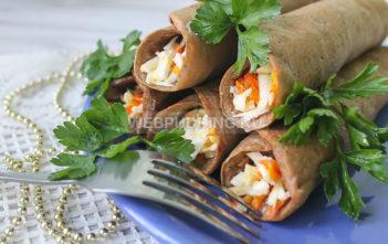Печеночные блины с плавленым сыром и морковью