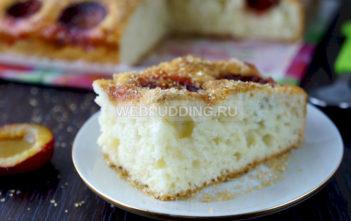 Пирог с замороженной сливой