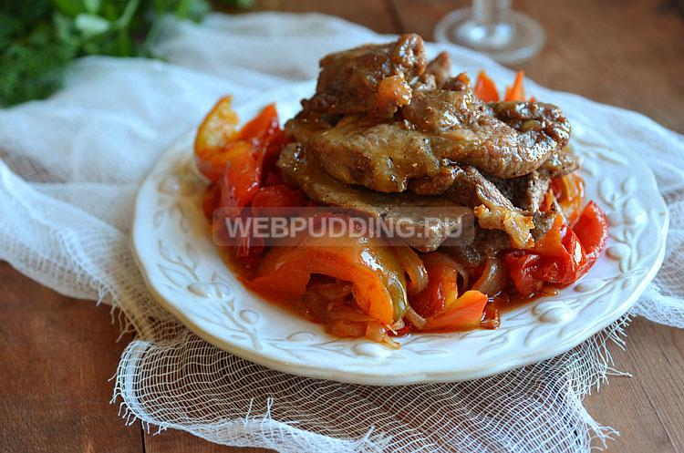 Свинина жареная с овощами