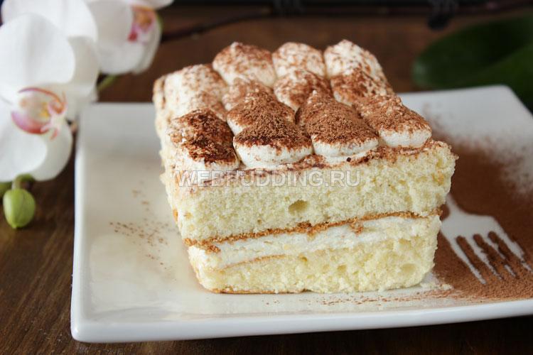Пирожное тирамису на бисквите