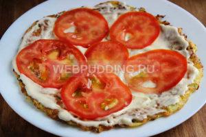 kabachkovyj-tort-s-pomidorami-8