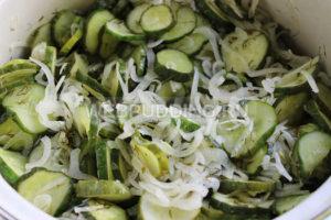 salat-iz-ogurcov-na-zimu-6