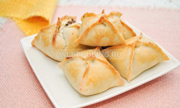Слоеные пирожки со свиными легкими