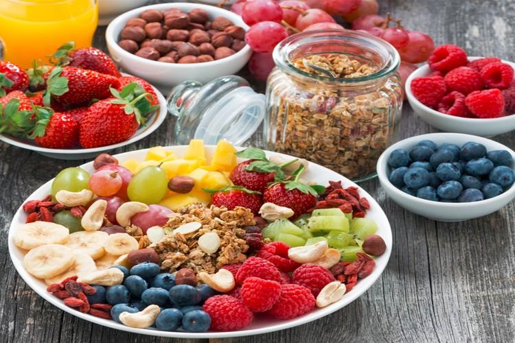 11 здоровых перекусов калорийностью меньше 100 ккал