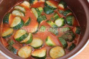 ogurcy-v-tomate-na-zimu-6