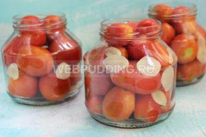 pomidory-v-sobstvennom-soku-s-chesnokom-na-zimu-2