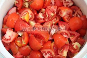 pomidory-v-sobstvennom-soku-s-chesnokom-na-zimu-3