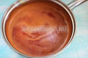 pomidory-v-sobstvennom-soku-s-chesnokom-na-zimu-6