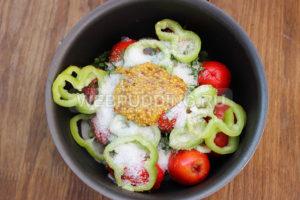 malosolnye-pomidory-v-pakete-bystrye-5