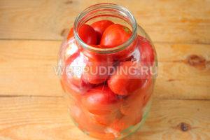 marinovannyye-pomidory-s-lukom-i-pertsem-na-zimu-3