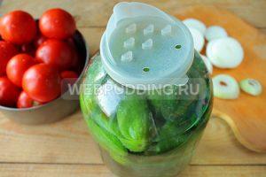 ogorod-na-zimu-iz-pomidorov-i-ogurtsov-4