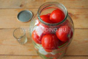 ogorod-na-zimu-iz-pomidorov-i-ogurtsov-9