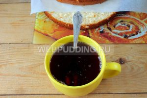 biskvitnyy-tort-s-medom-i-marshmellou-12
