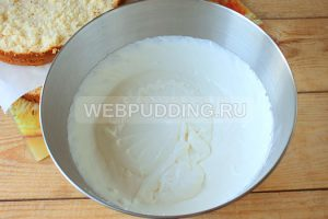 biskvitnyy-tort-s-medom-i-marshmellou-13