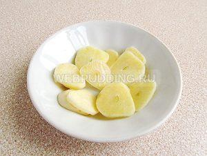 marinovannye-zelyonye-pomidory-s-morkovyu-i-chesnokom-3