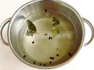 marinovannye-zelyonye-pomidory-s-morkovyu-i-chesnokom-6