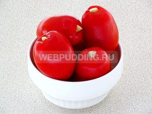 pomidory-farshirovannye-chesnokom-na-zimu-4