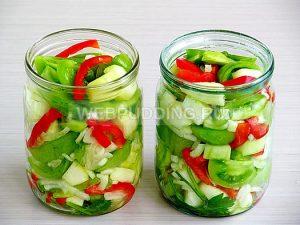 prostoj-salat-iz-zelyonyh-pomidor-10