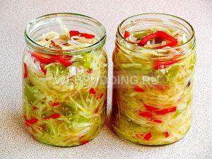 salat-iz-zelyonyh-pomidorov-s-kapustoj-10