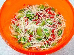 salat-iz-zelyonyh-pomidorov-s-kapustoj-7