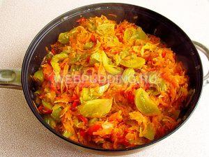 salat-iz-zelyonyh-pomidorov-zakusochnyj-11