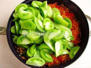 salat-iz-zelyonyh-pomidorov-zakusochnyj-9