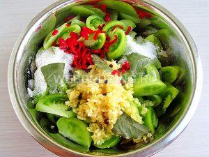 salat-kobra-iz-zelyonyh-pomidorov-5