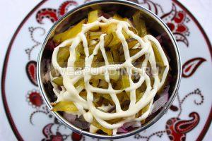 salat-s-jazykom-i-svekloj-7