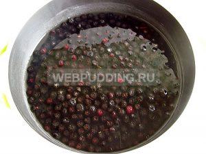 varene-iz-chernoplodnoj-ryabiny-3