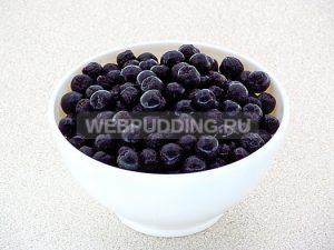 varene-iz-chernoplodnoj-ryabiny-s-vishnyovym-listom-3