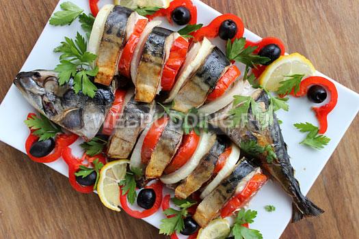 zapechennaja-skumbrija-s-pomidorami-9