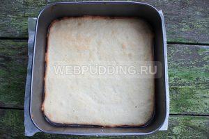 biskvitnyj-rulet-s-klubnichnym-kremom-5