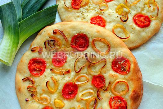 fokachcha-s-pomidorami-i-lukom-poreyem-12