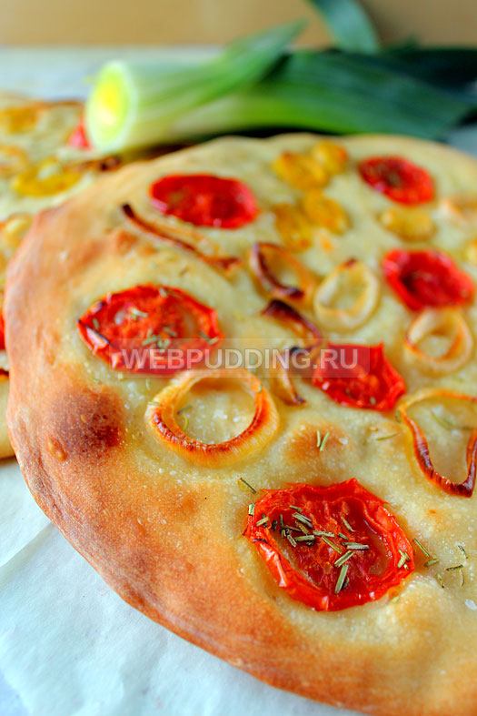 fokachcha-s-pomidorami-i-lukom-poreyem-13