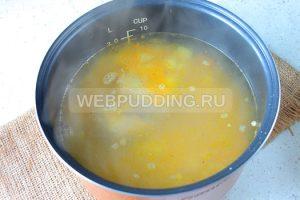 gorohoviy-sup-v-multivarke-na-govyazhih-rebryshkah-6
