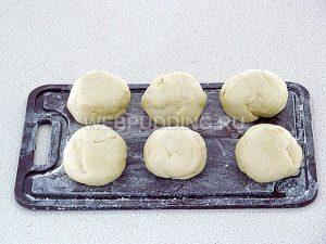 pirozhki-s-sushyonoj-cheryomuhoj-11