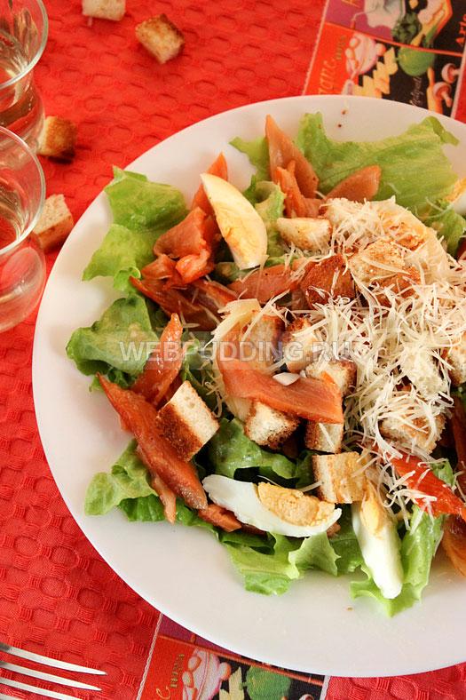 salat-cezar-s-semgoj-v-domashnih-usloviyah-12