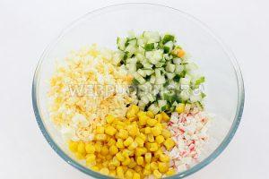 salat-iz-krabovyh-palochek-i-kukuruzy-5
