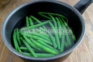 teplyj-salat-so-sparzhevoj-fasolju-i-jajcom-1