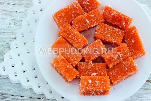 Мармелад из тыквы на блюде