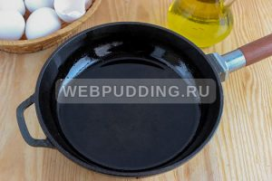 omlet-na-skovorode-s-molokom-4