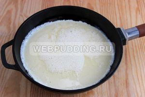 omlet-na-skovorode-s-molokom-5