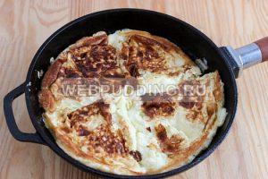 omlet-na-skovorode-s-molokom-7